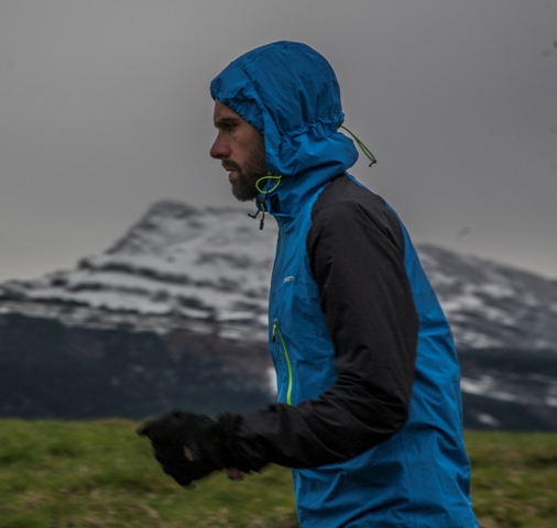 Capucha. O2 Waterproof Trail Jacket.