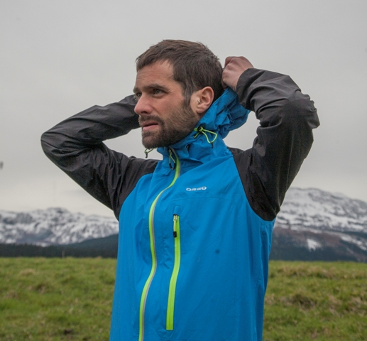 Review O2 Waterproof Trail Jacket
