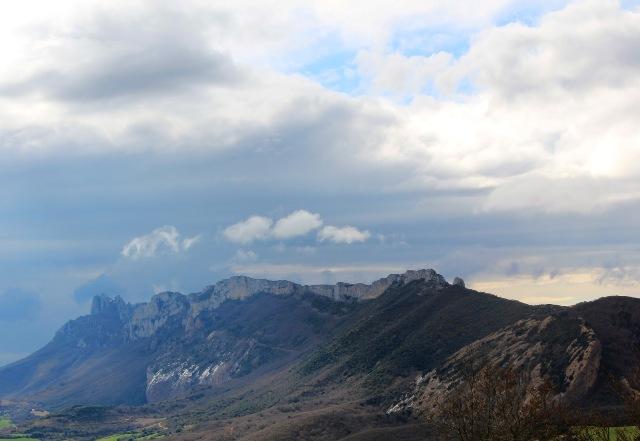 Vista de Sierra Cantabria desde Meano