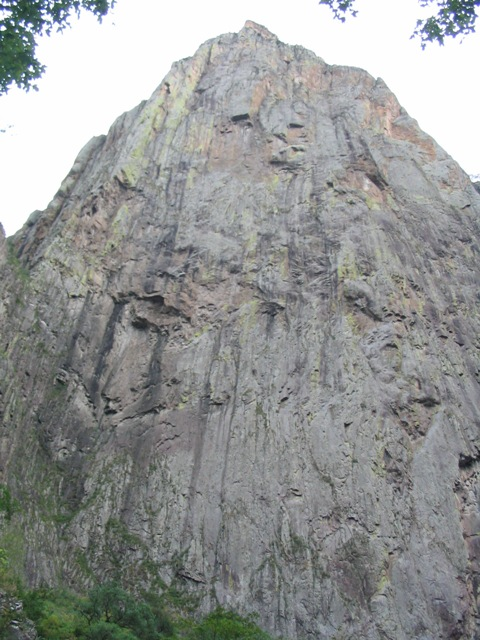 el Gigante mostrando su cara más salvaje… 900 metros desafiantes